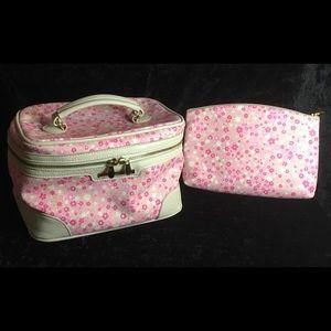 Pink floral travel make up/toiletry bag 🌸